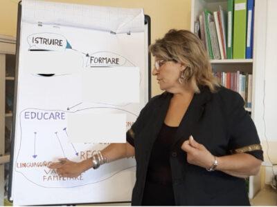 Corso Educare Istruire e Formare differenze